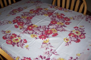 rare Queen anne Shawmut by Nashua vintage tablecloth beautiful