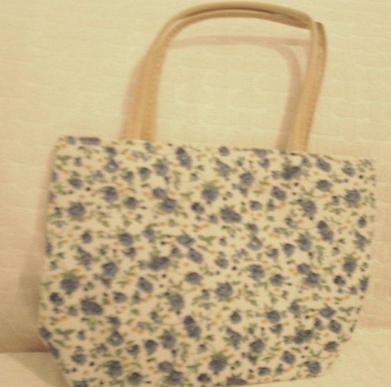 handbagbargins: White and Blue Flowered Purse