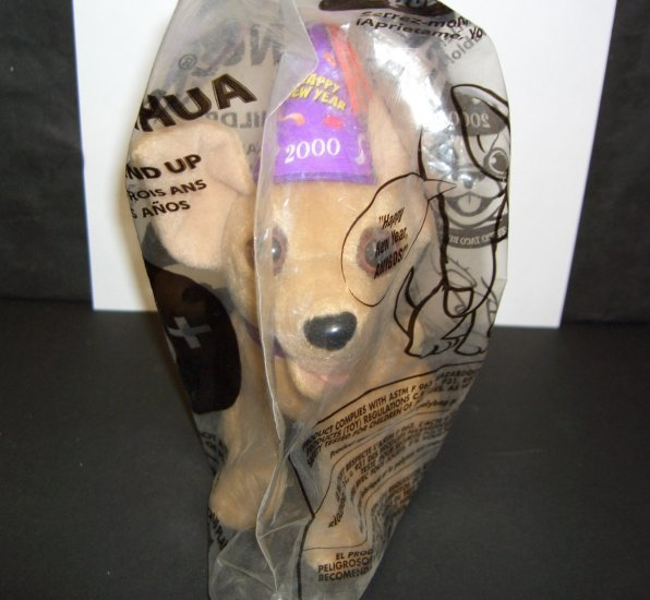 TACO BELL TALKING CHIHUAHUA SAYS HAPPY NEW YEAR AMIGOS NEW IN BAG! 2000