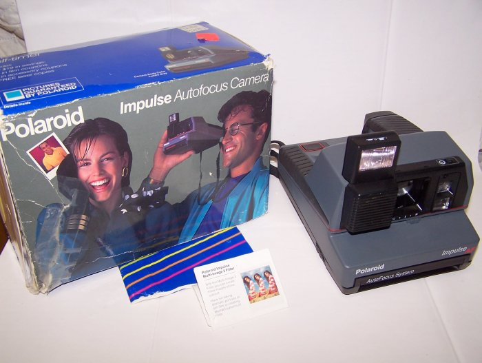 Polaroid Impulse AF Auto Focus 600 Film Camera  in Box