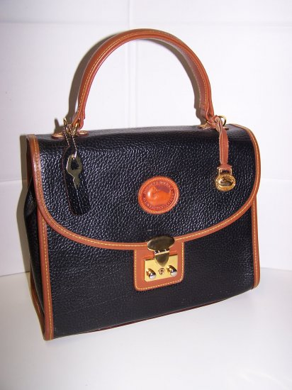 Locking Dooney & Bourke Handbag with key