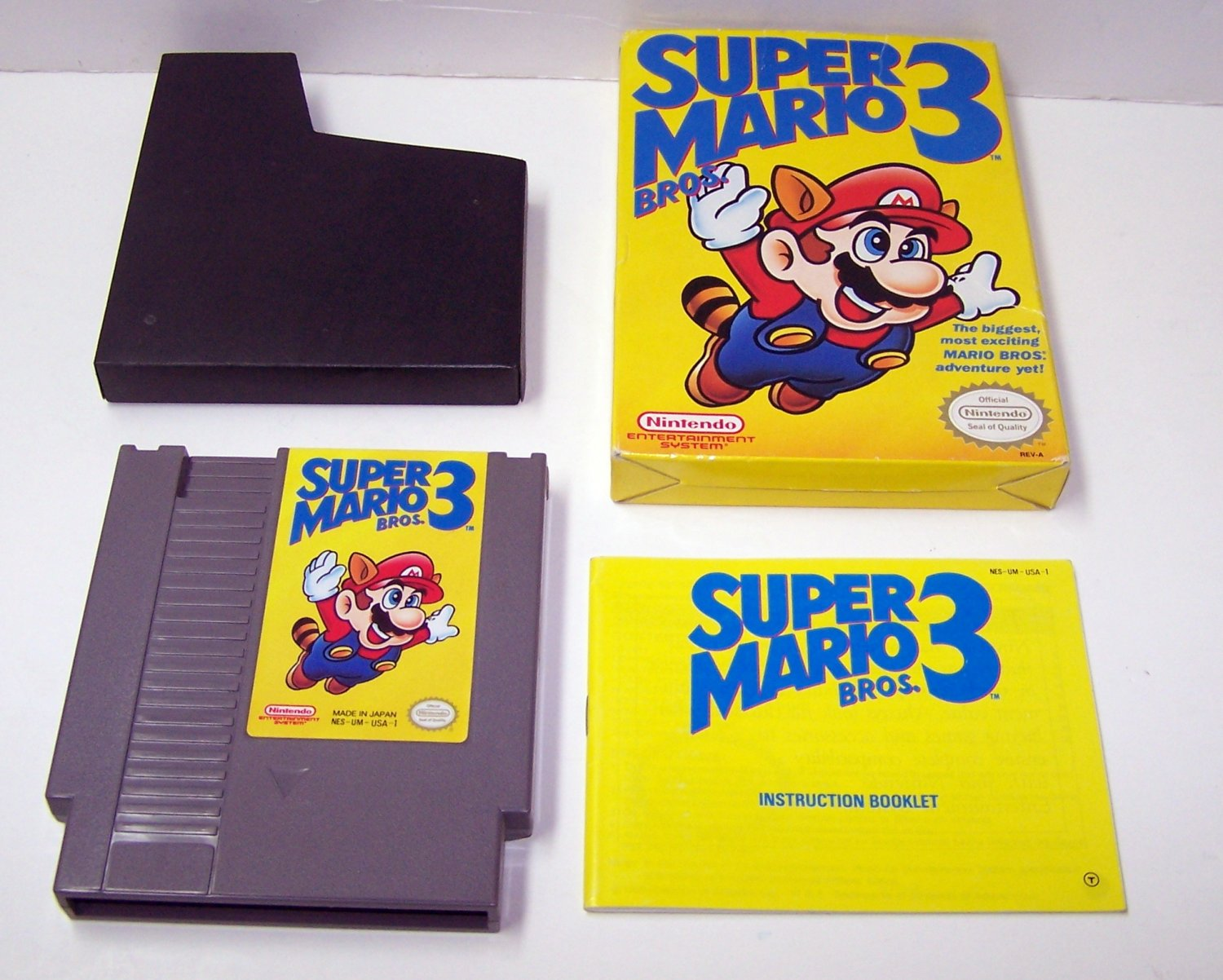 SUPER MARIO BROS 3 Original 8-bit Nintendo NES Game Cartridge Complete