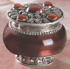 LAVENDAR JEWELED-LID JAR CANDLE