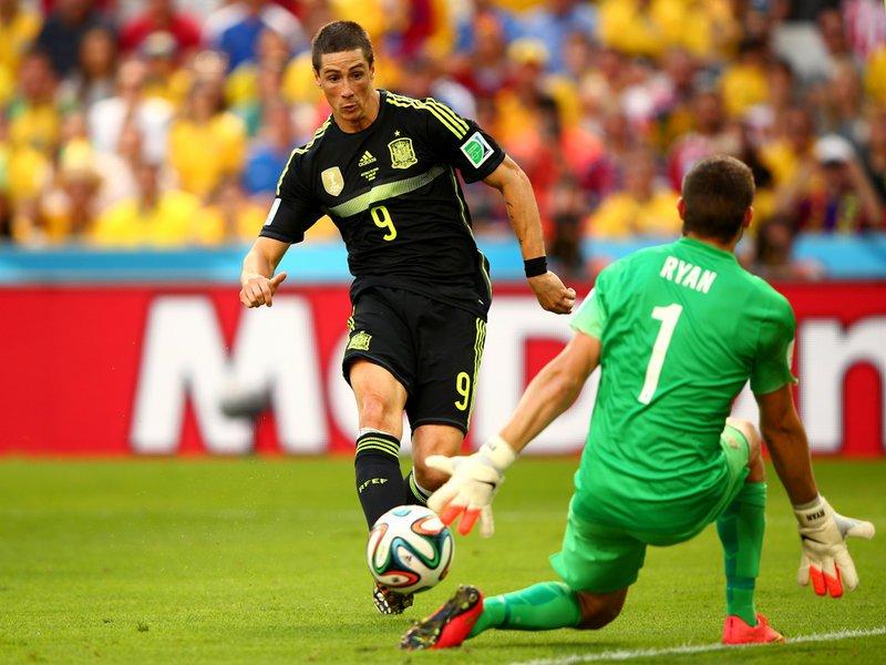 028 -  8 X 6 Photo - Football - FIFA World Cup 2014 - Spain V Australia Fernando Torres Scores