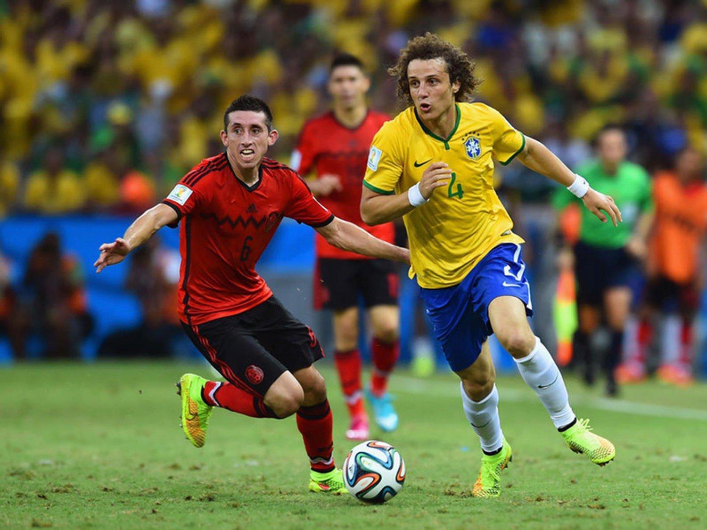 071 - 8 X 6 Photo - Football - FIFA World Cup 2014 - Brazil V Mexico David Luiz 1