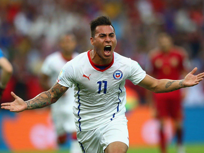 WC 0156 - 8 X 6 Photo - Football - FIFA World Cup 2014 - Spain V Chile - Eduardo Vargas