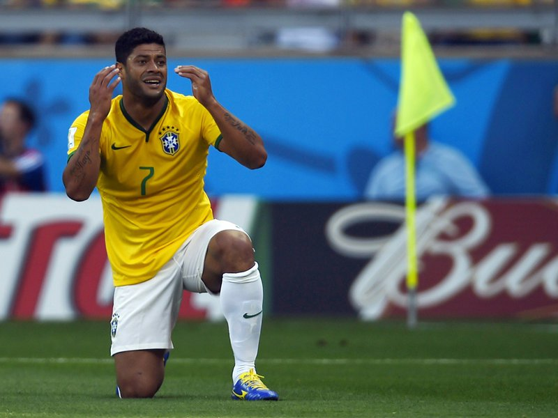 WC 0425 -  8 X 6 Photo - Football - FIFA World Cup 2014 - Brazil V Chile Hulk Disallowed Goal 3