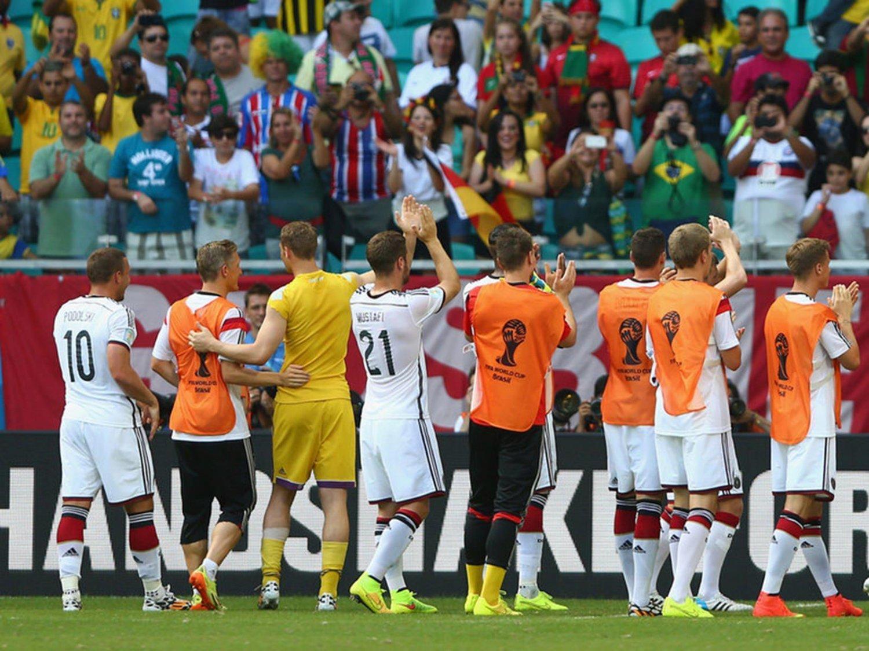 256 - 8 X 6 Photo - Football - FIFA World Cup 2014 - Germany V Portugal