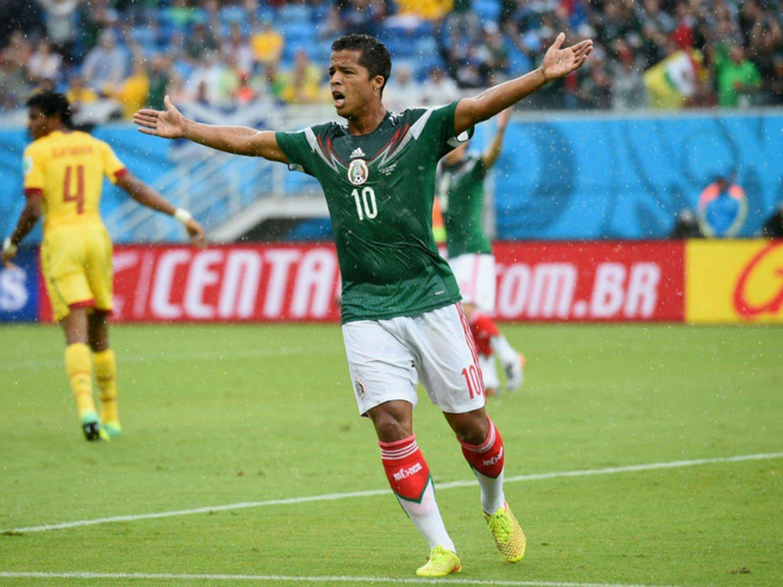 258 - 8 X 6 Photo - Football - FIFA World Cup 2014 - Mexico V Cameroon