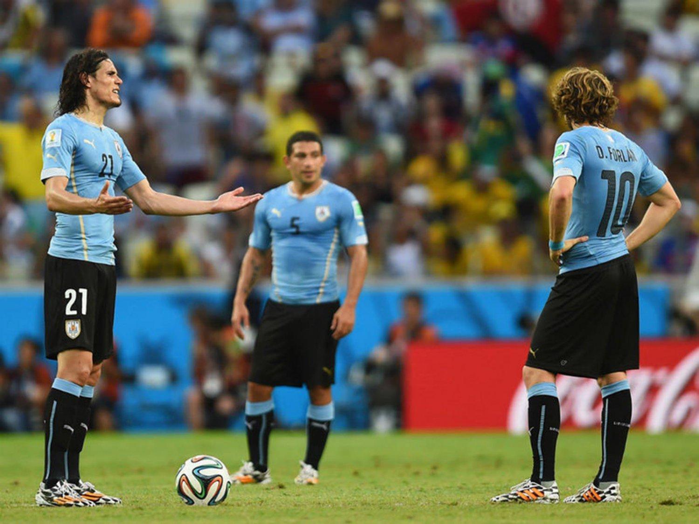 275 - 8 X 6 Photo - Football - FIFA World Cup 2014 - Uruguay V Costa Rica