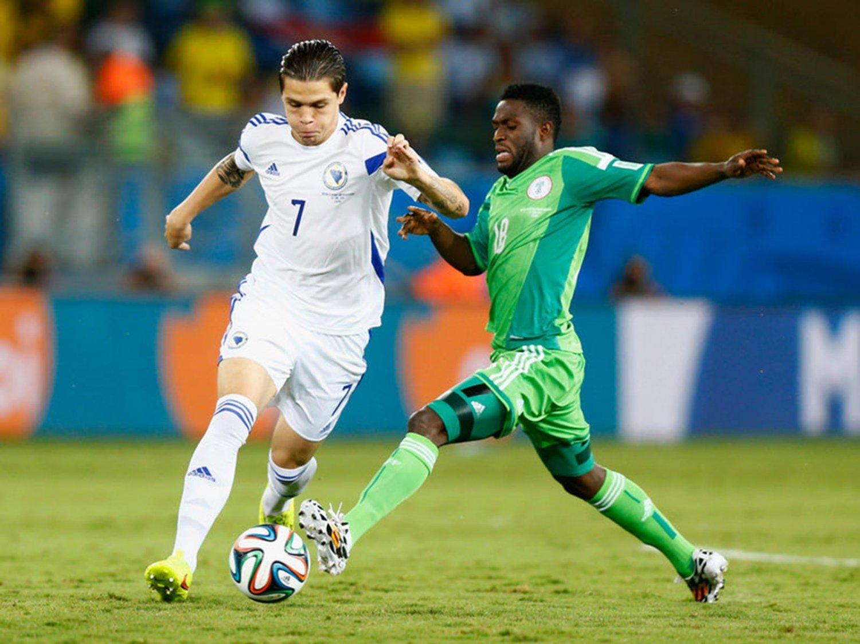 280 - 8 X 6 Photo - Football - FIFA World Cup 2014 - Bosnia V Nigeria - Muhamed Besic