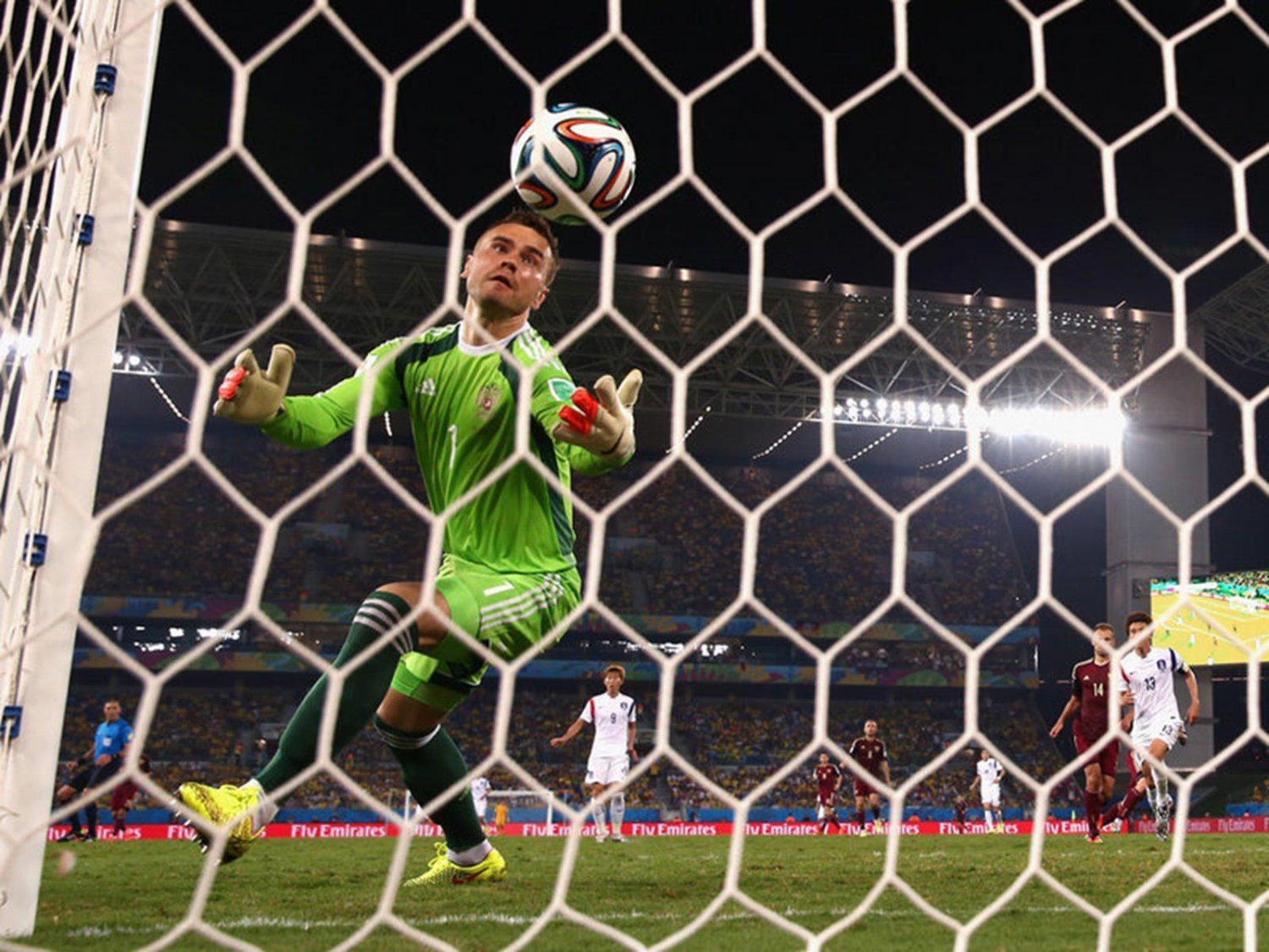 297 - 8 X 6 Photo - Football - FIFA World Cup 2014 - Russia V South Korea - Igor  Akinfeev Mistake