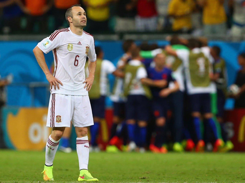 301 - 8 X 6 Photo - Football - FIFA World Cup 2014 - Spain V Holland - Andres  Iniesta