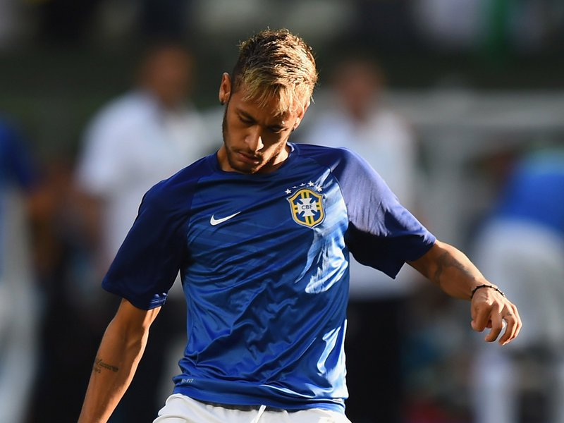 561 - 8 X 6 Photo - Football - FIFA World Cup 2014 - Brazil V Colombia - Neymar Warms Up