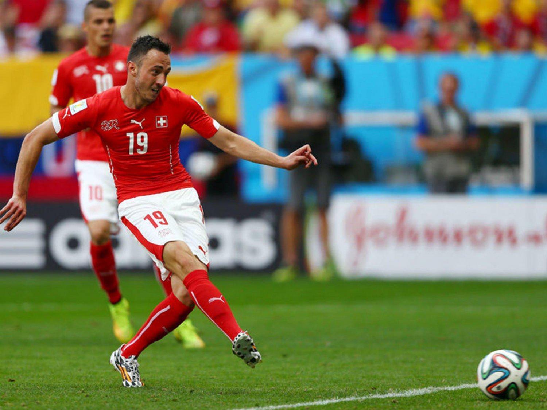 320 - 8 X 6 Photo - Football - FIFA World Cup 2014 - Switzerland V Ecuador - Josip Drmic
