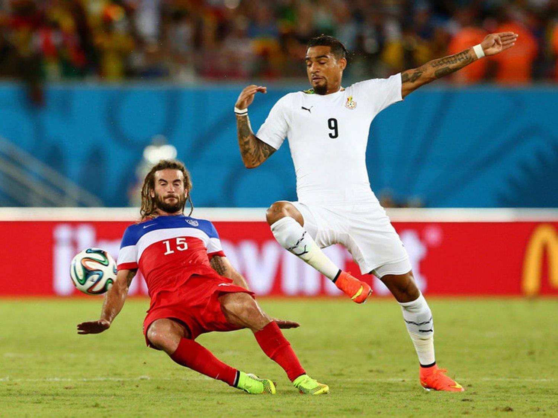 329 - 8 X 6 Photo - Football - FIFA World Cup 2014 - USA V Ghana - Kyle Beckerman & Boetang