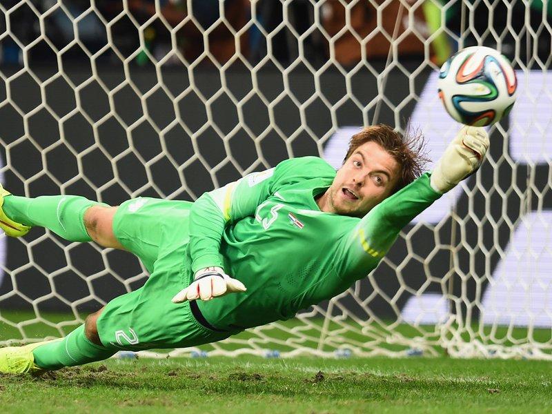 570 - 8 X 6 Photo - Football - FIFA World Cup 2014 - Holland V Costa Rica - Tim Krul Penalty Save
