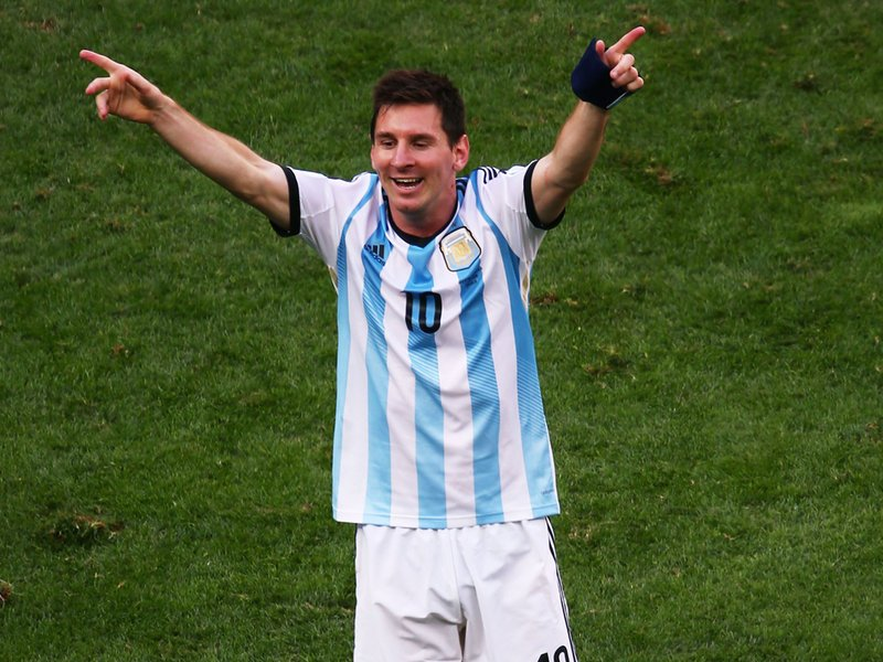 591 - 8 X 6 Photo - Football - FIFA World Cup 2014 - Argentina V Belgium - Lionel Messi
