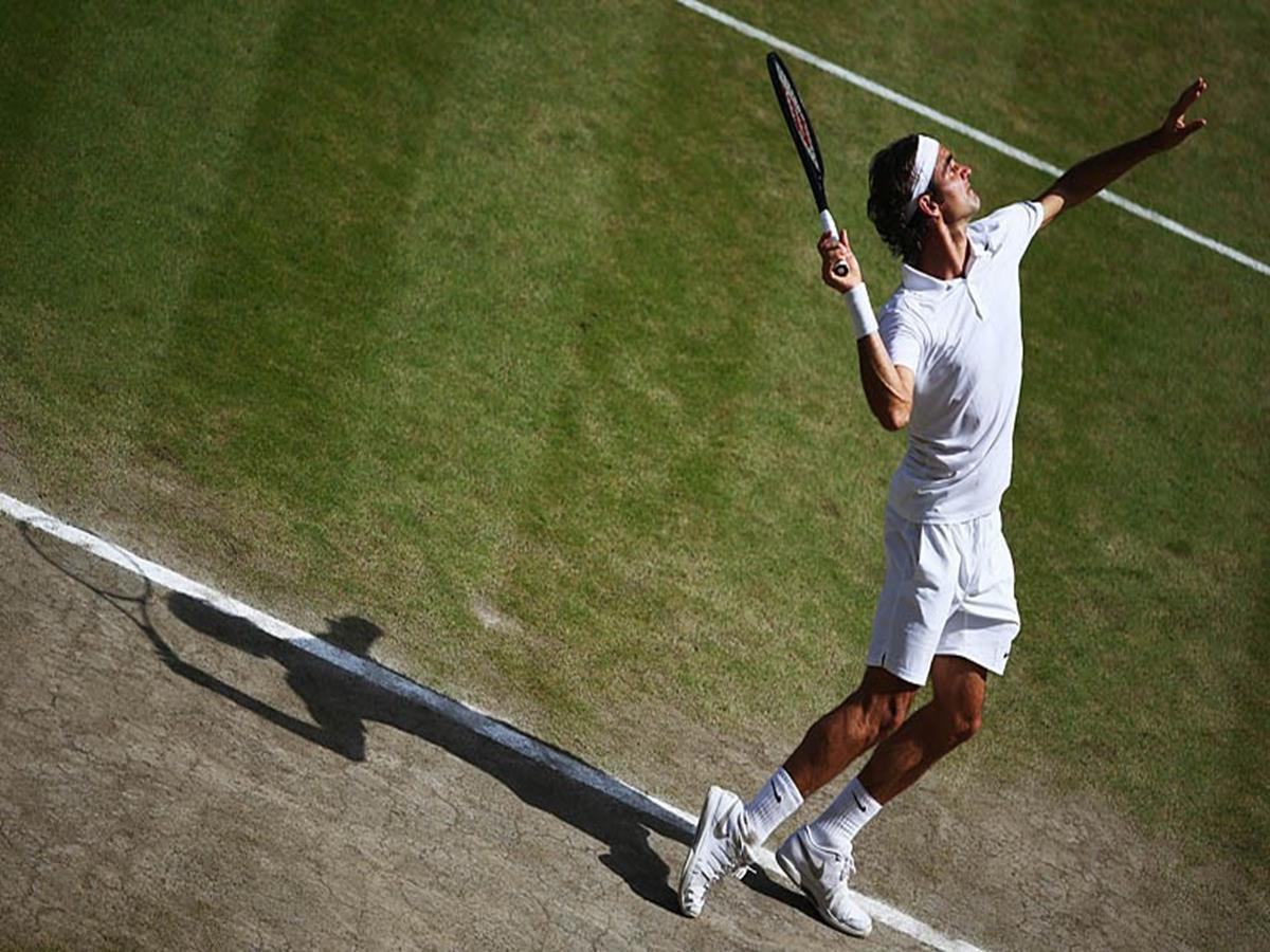 164 - 8 X 6 Photo - Tennis - Wimbledon Championship 2014 - Mens Final - Federer V Djokovic