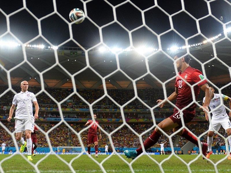 338 - 8 X 6 Photo - Football - FIFA World Cup 2014 - USA V Portugal - Ricardo