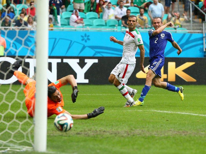 367 - 8 x 6 Photo - Football - FIFA World Cup 2014 - Bosnia v Iran   Avdija Vrsajevic Scores