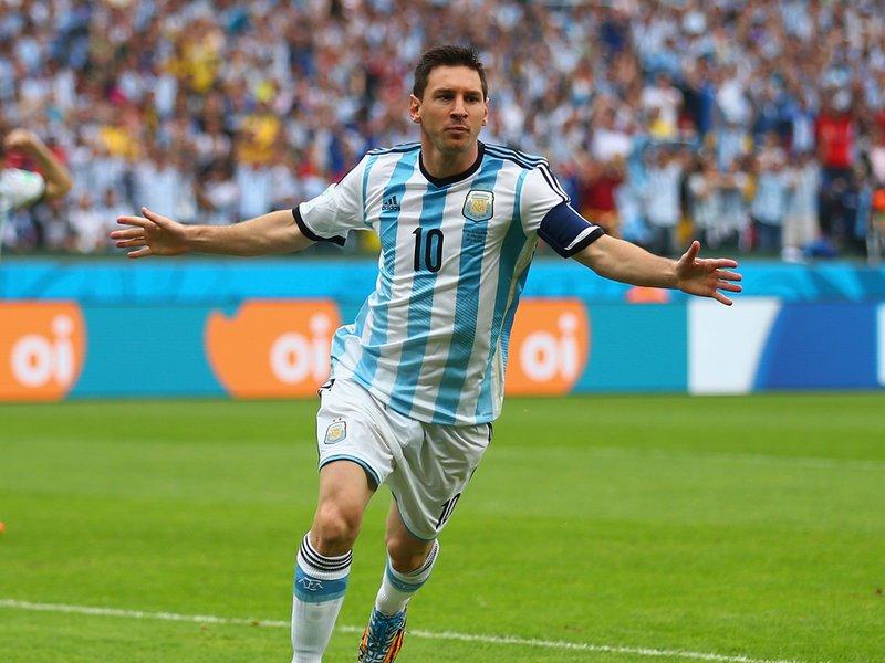370 - 8 x 6 Photo - Football - FIFA World Cup 2014 - Argentina v Nigeria Lionel Messi