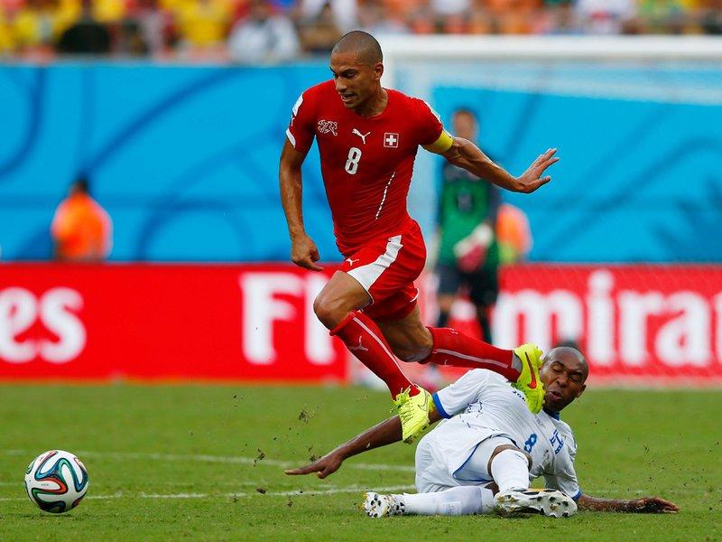 381 - 8 x 6 Photo - Football - FIFA World Cup 2014 - Switzerland v Honduras Wilson Palacios