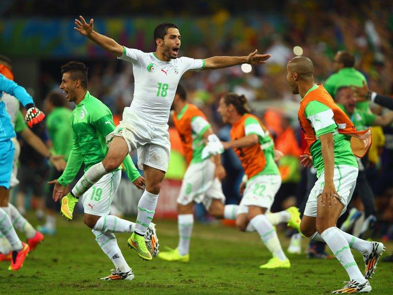 398 - 8 x 6 Photo - Football - Fifa World Cup 2014 - Algeria V Russia Abdelmoumene Djabou