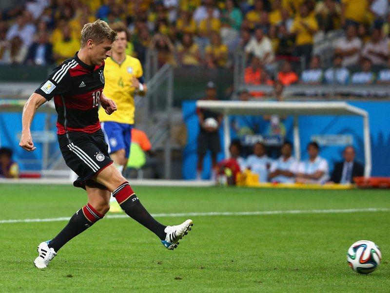 597 - 8 X 6 Photo - Footbal - FIFA World Cup - Brazil V Germany - 3-0 Toni Kroos