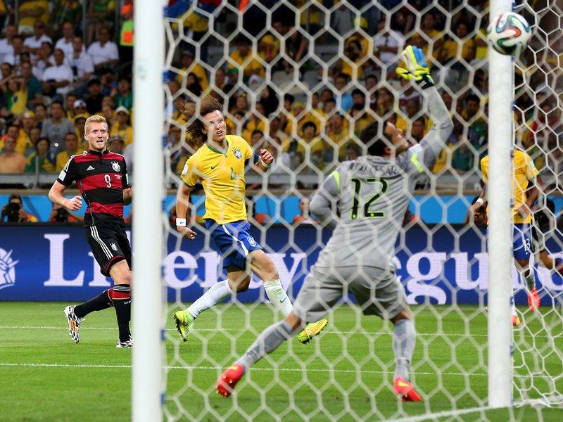 601 - 8 X 6 Photo - Footbal - FIFA World Cup - Brazil V Germany - 7-0 Andre Schurrle