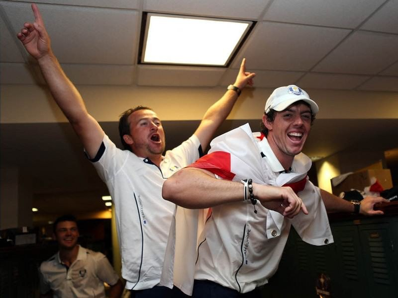 015 - 8 X 6 Photo - Ryder Cup 2012 - Graeme McDowell Rory McIlroy Europe Celebrations