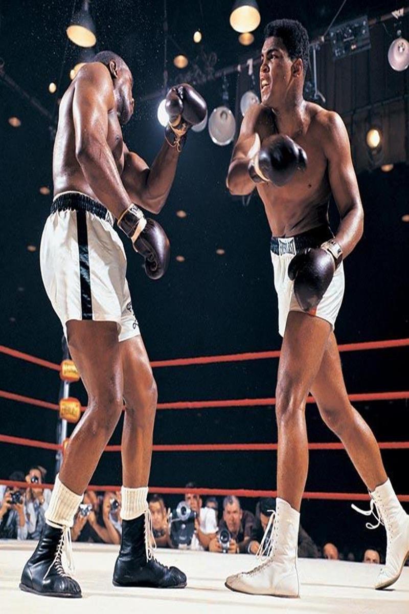 005 - 12 X 8 Photo - Boxing - Classic Muhammad Ali