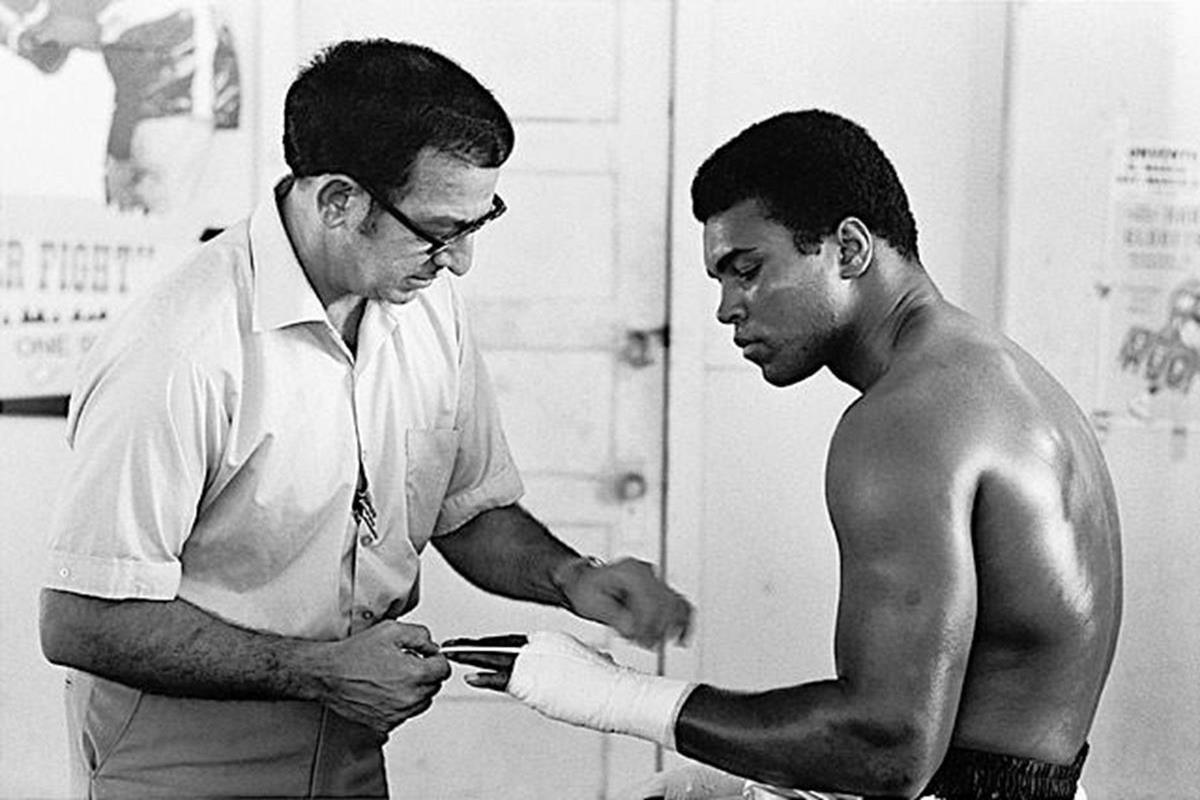 020 - 12 X 8 Photo - Boxing - Classic Muhammad Ali -   Muhammad Ali Angelo Dundee