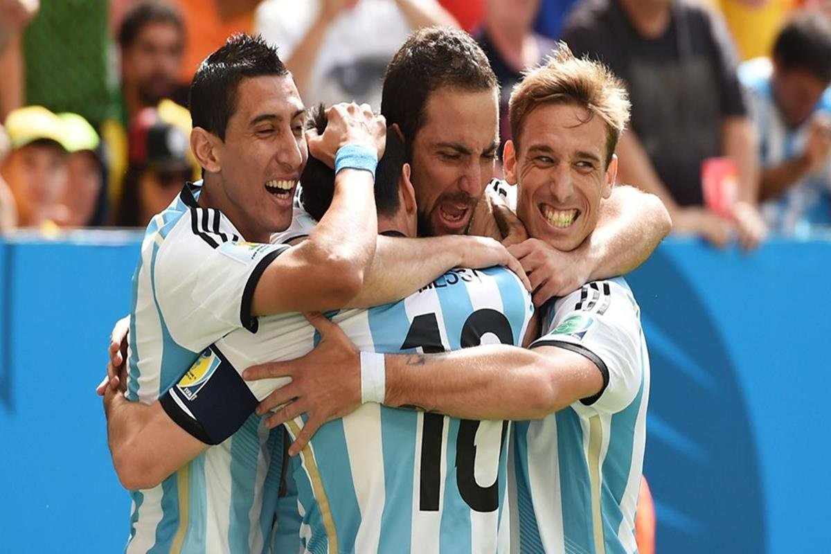 028 - 12 x 8 - 2014 World Cup Finalists - Argentina