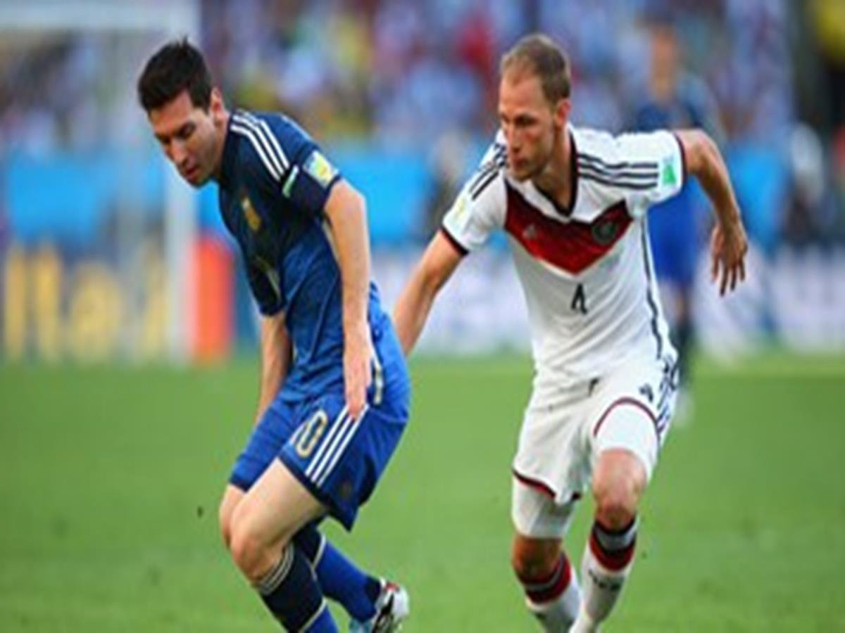 642 - 8 X 6 Photo - 2014 World Cup - The Final - Germany v Argentina - Lionel Messi