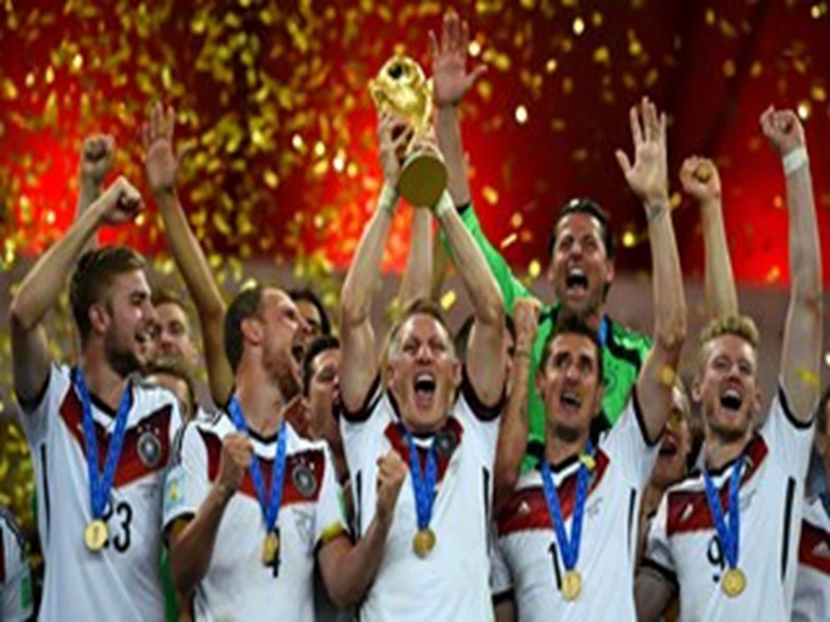 18 - 8 x 6 Photo - Football - FIFA World Cup 2014 WINNERS - GERMANY