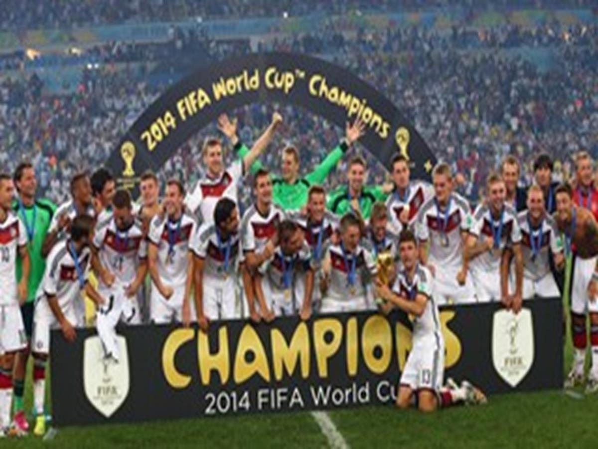 39 - 18 x 12 Photo - Football - FIFA World Cup 2014 WINNERS - GERMANY