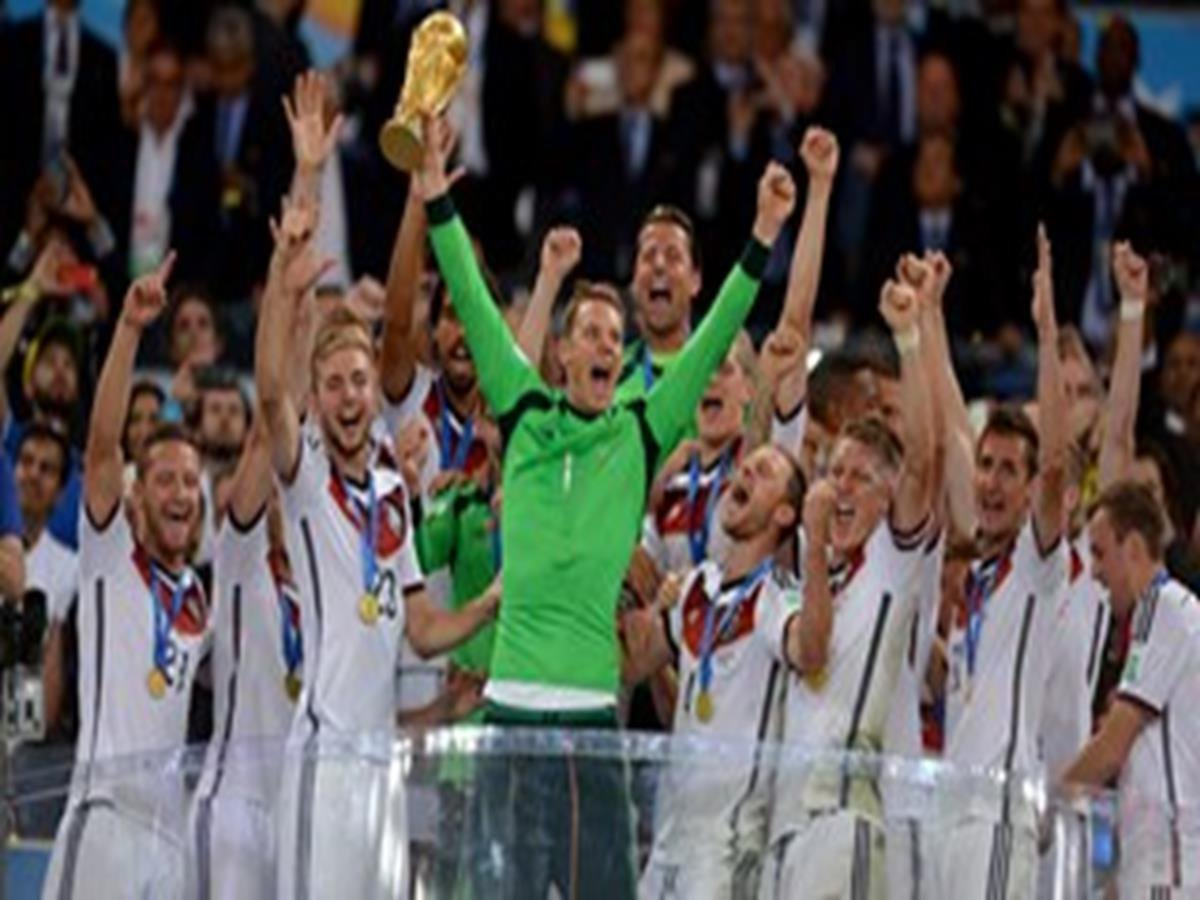31 - 8 x 6 Photo - Football - FIFA World Cup 2014 WINNERS - GERMANY