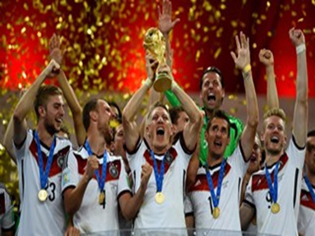 56 - 8 x 6 Photo - Football - FIFA World Cup 2014 WINNERS - GERMANY