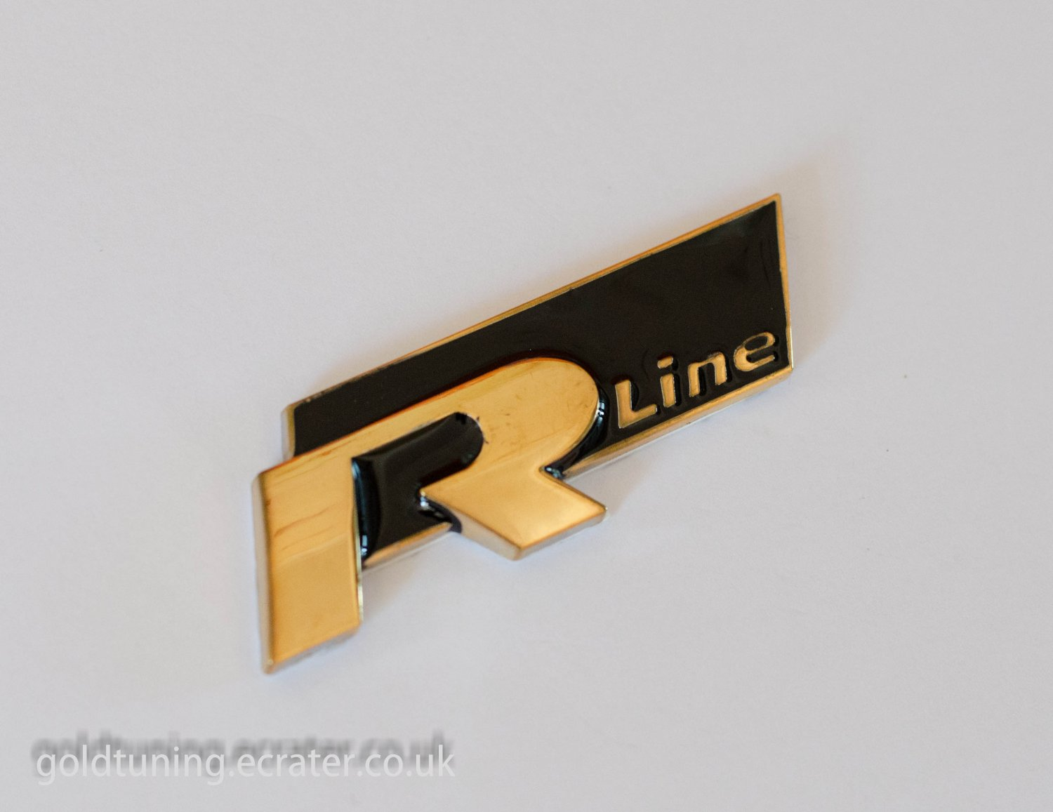 vw audi r line 24k gold plated 3d badge emblem sticker black. Black Bedroom Furniture Sets. Home Design Ideas