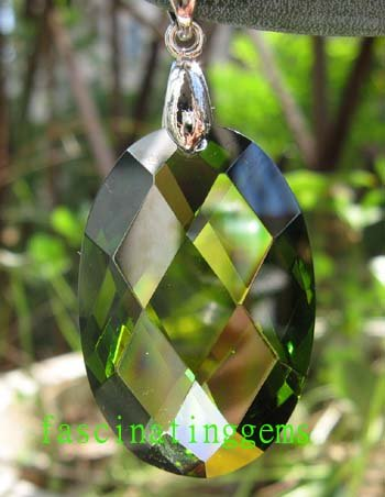 50.00CT CHARMING STUNNING GREEN OVAL ZIRCON PENDANT