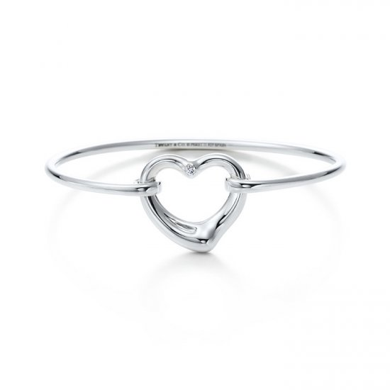 Beautiful Sterling heart bracelet bangle