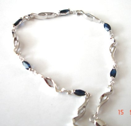 100% natural blue sapphire and sterling silver bracele