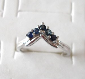 100% natural blue sapphire and sterling silver ring