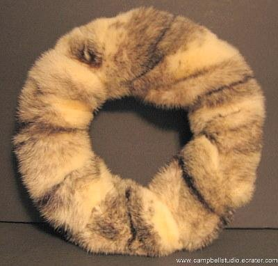 Rabbit Fur Wreath Lodge/Home/Den Cream/Blk/Grey Stripe