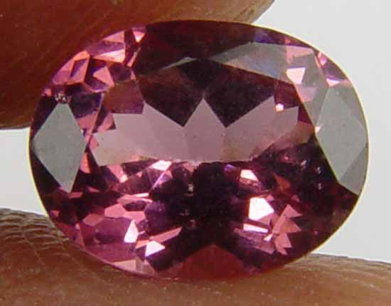 1.15CT Glowing Pink Oval 100% Natural Garnet 10061129