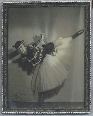 FRENCH DANCER ANTIQUE PHOTOGRAPH