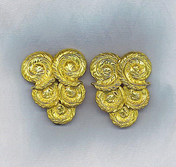 VTG. DRESS CLIPS, FABULOUS GOLD FEATHER LOOK VTG.