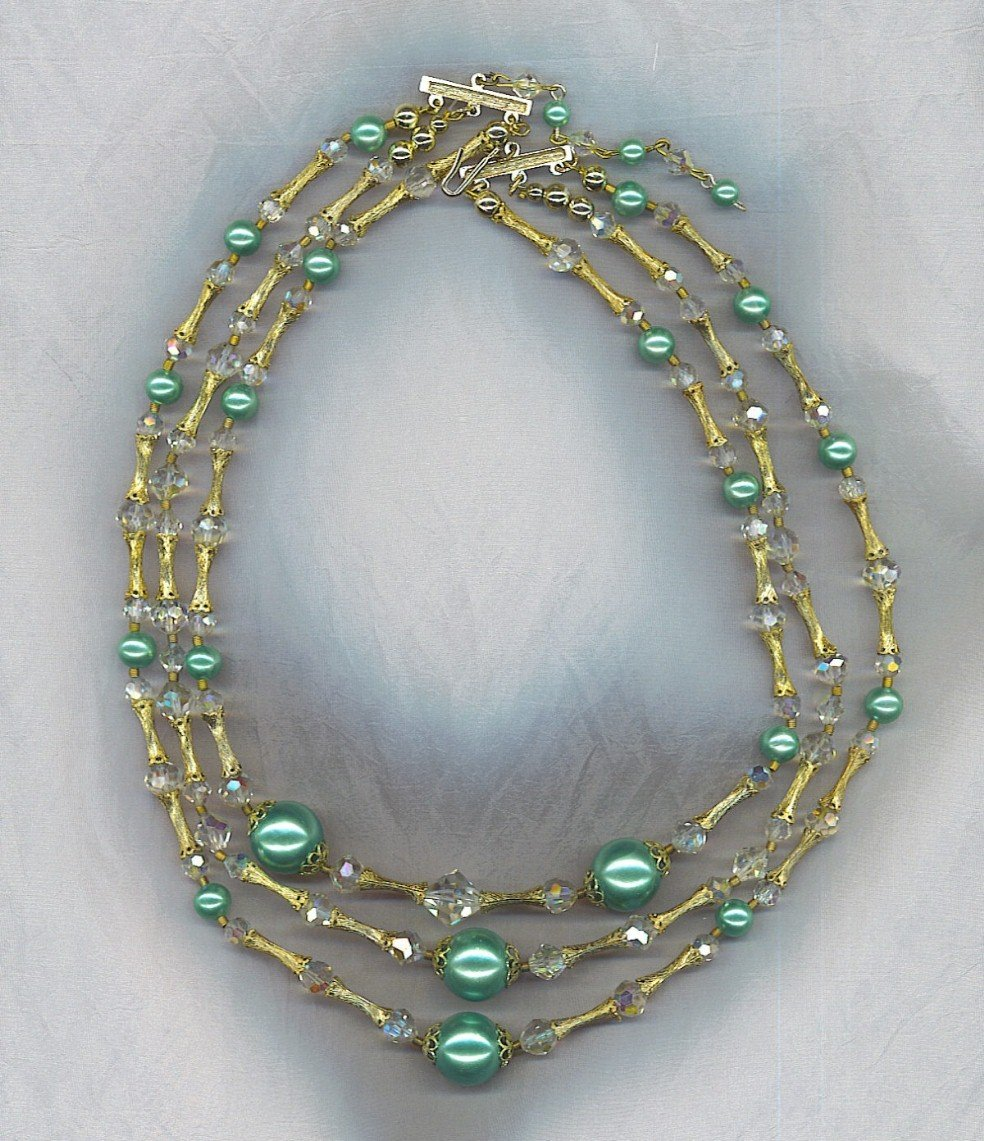 GORGEOUS AURORA BOREALIS CRYSTAL & PEARL 3 STRAND VTG. NECKLACE