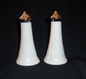 GRACEFUL PORCELAIN VTG. SALT & PEPPER SHAKERS